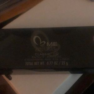 Me makeover essentials eyeshadow and eyeliner new